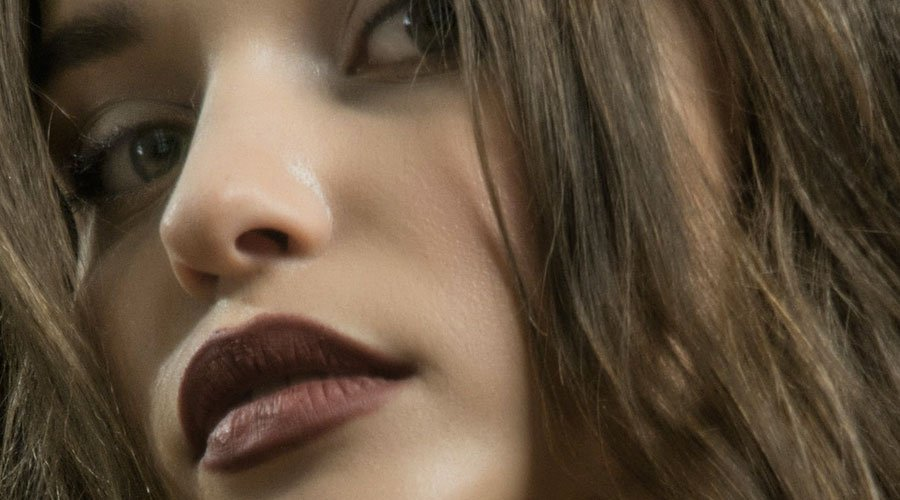 Secrets-to-Deliciously-Youthful-Lips